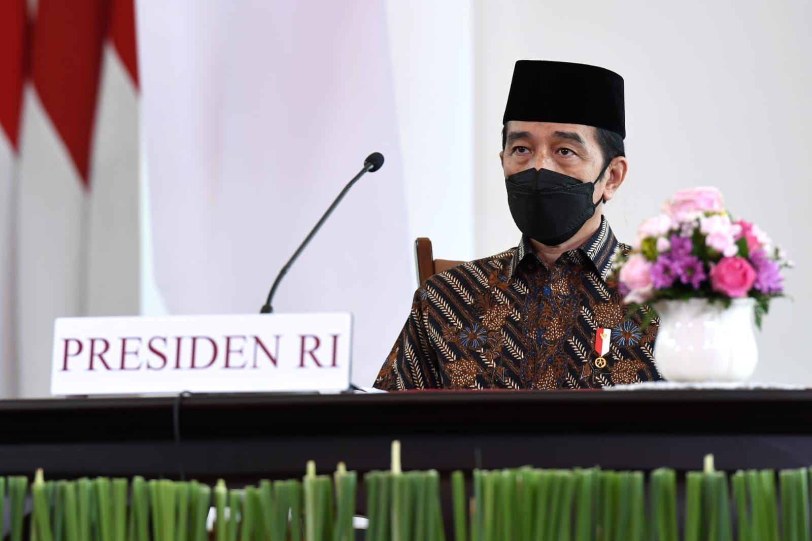Jokowi Sebut Pihaknya Tak Bisa Atasi Covid-19 Sendirian, Aktivis ProDEM: Sudah Seharusnya Rakyat Ambil Alih Pemerintahan!