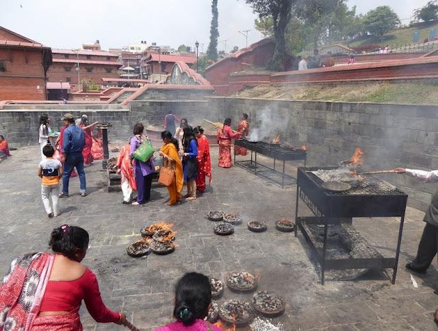 celebrazione della festa newari a Pashupatinath