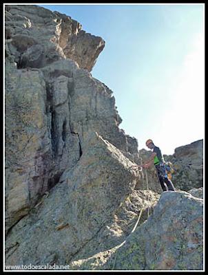 Escalando la arista de Zonza en Coll de Bavella