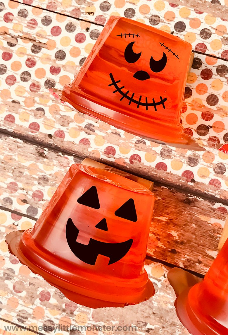Pumpkin Halloween snack craft