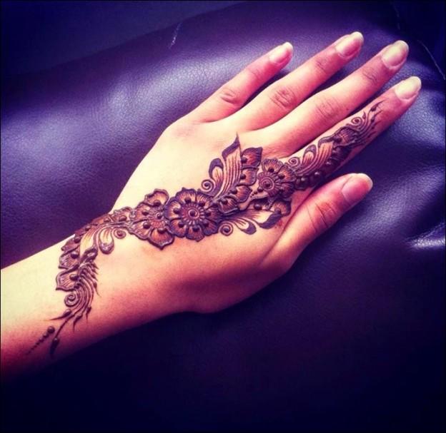 Arabic mehndi designs have an unparalleled eye-pleasing charm