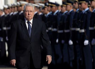 """وفاة عبد القادر بن صالح """"منقذ """" الجزائر ..- الراحل في سطور.."""