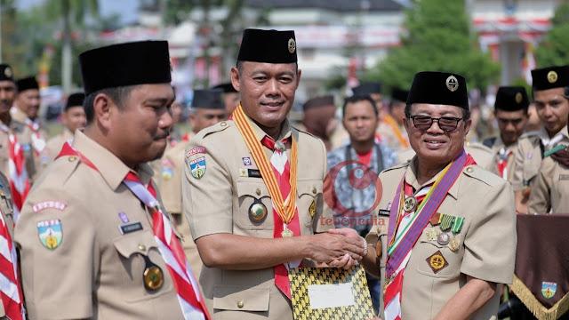 Bupati Tebo H Sukandar Terima Satya Lencana Melati Pramuka