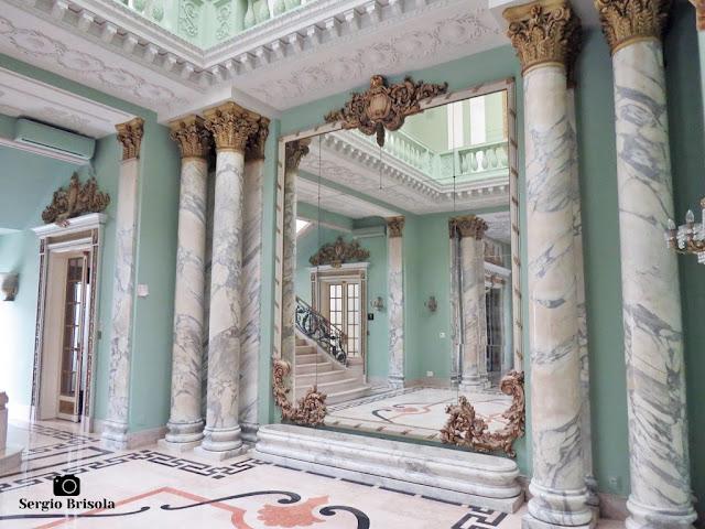 Palacete Violeta (Colunas e espelhos do Hall central)