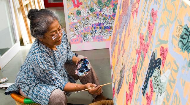 Arpita Singh Working On Her Painting