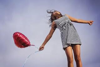 Muốn nhìn thấy hạnh phúc, hãy mở rộng tâm hồn