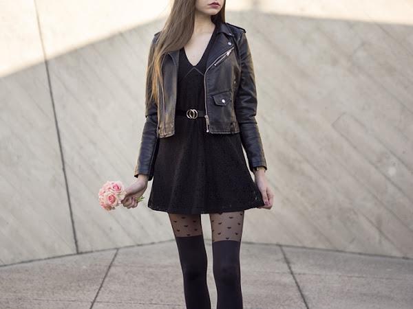 298. Stylizacja: Czarna koronkowa sukienka z NA-KD