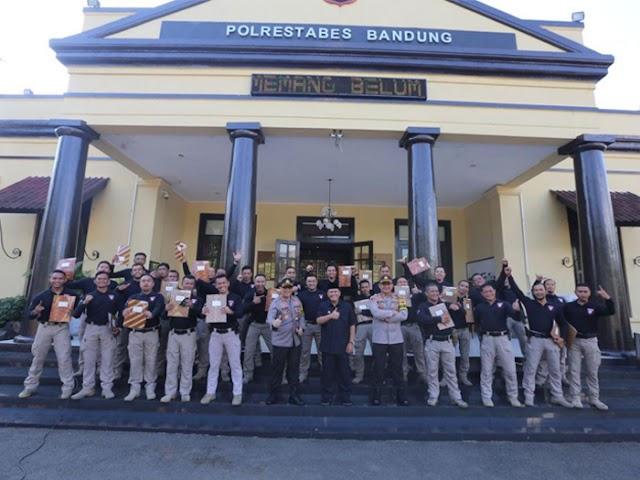 29 Anggota Tim Prabu Polrestabes Bandung Dapat Penghargaan dari Wali Kota