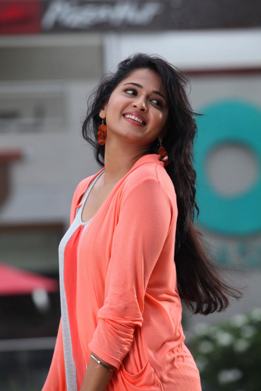 sexy bold Anushka photos from mirchi movie