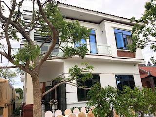 Toàn cảnh căn biệt thự 2 tầng với sự kết hợp cửa nhôm XINGFA nhập khẩu chính hãng tại nên thiết kế hiện đại và sang trọng.