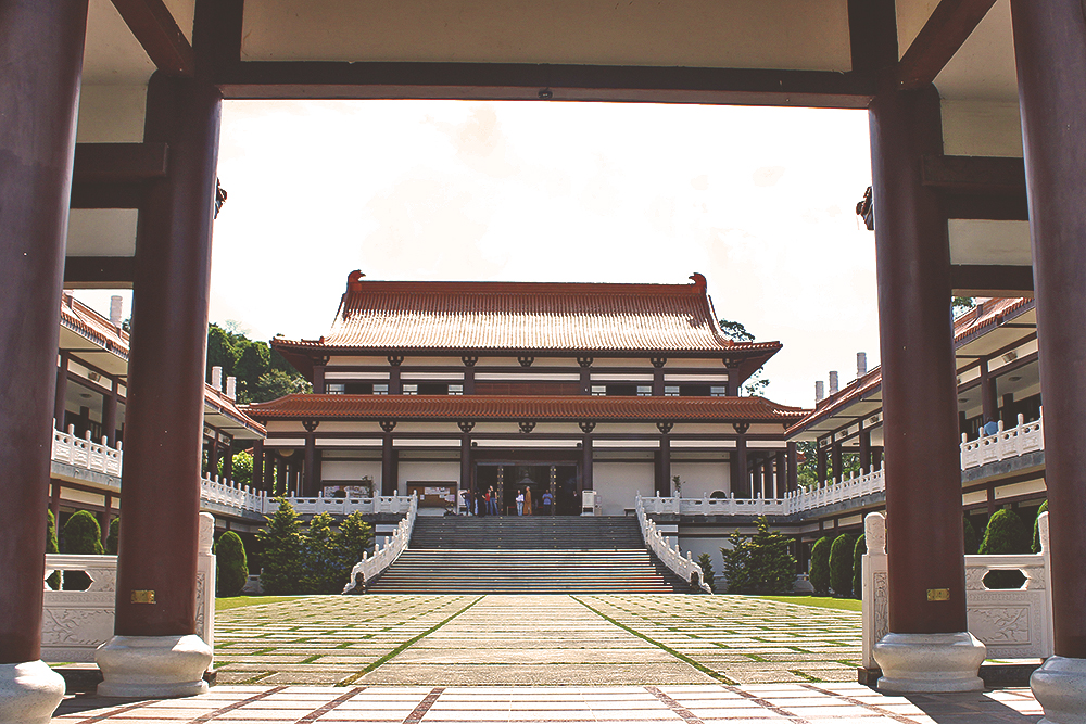interior templo budista zu lai