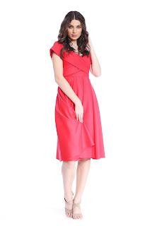 Rochie roșie elegantă în cloș