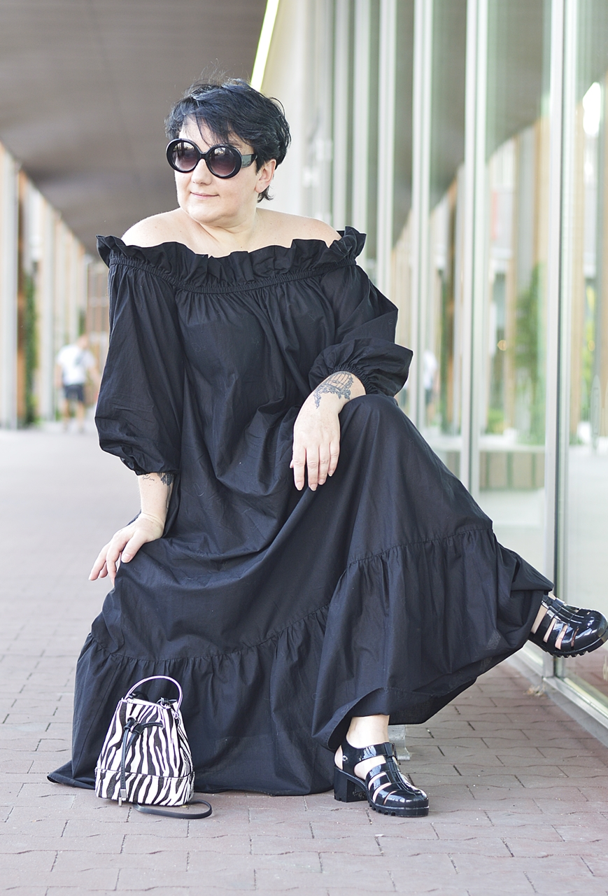 Blackandwhitefashion, black maxi dress, h&m maxi dress