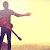 Đàn guitar đệm hát và guitar cổ điển khác nhau thế nào ?