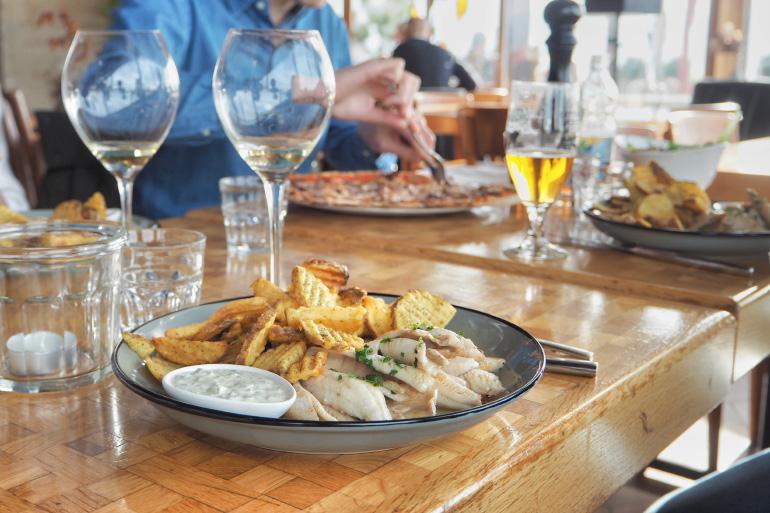 Déjeuner au restaurant Le Lacustre à Lausanne en Suisse