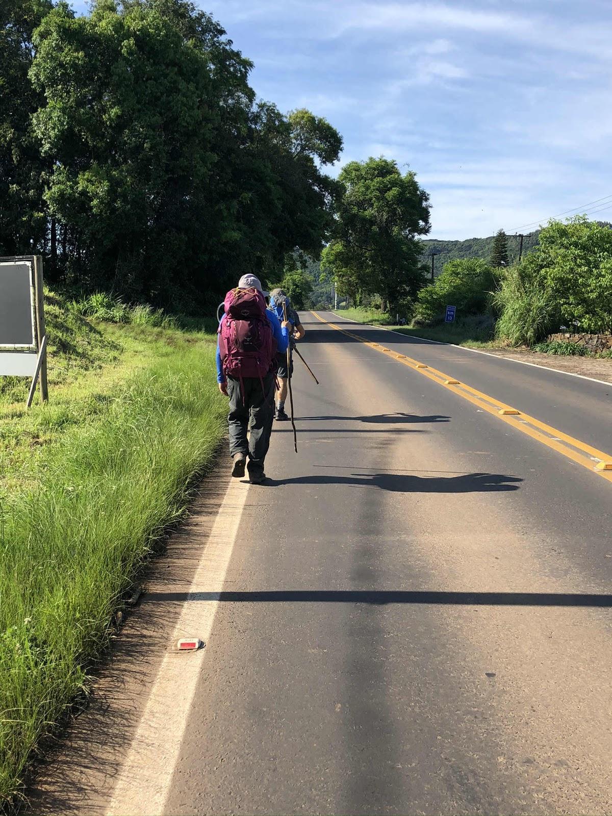 Caminhar por rodovias - Linha Brasil Caminhos de Caravaggio