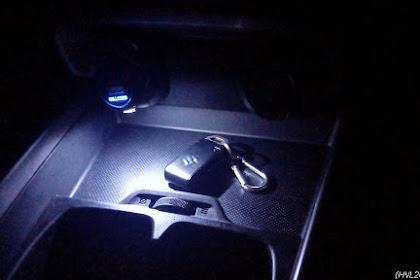 DIY : Pasang lampu LED di USB charger tanpa saklar, untuk penerangan area cup holder Suzuki Ertiga XL7 {yanadhipra}