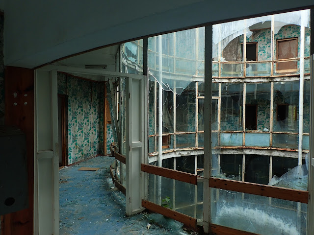 Piętro w opuszczonym hotelu