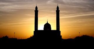 Tidak Melakukan Shalat Berjamaah di masjid