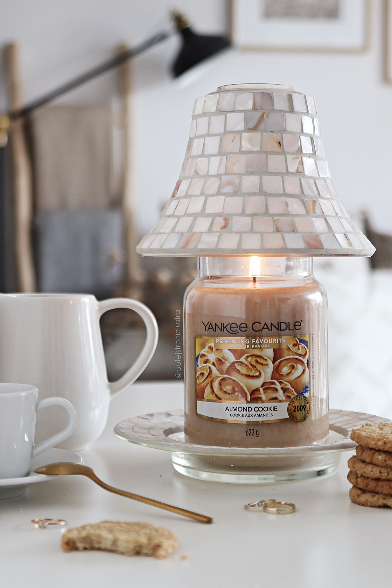 yankee candle almond cookie 2021