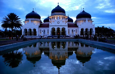 7 Places Aceh Tourism, admire God's creations on the veranda in Mecca