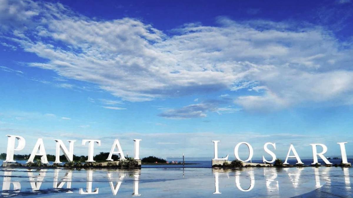 Pemandagan indah tempat wisata Pantai Losari