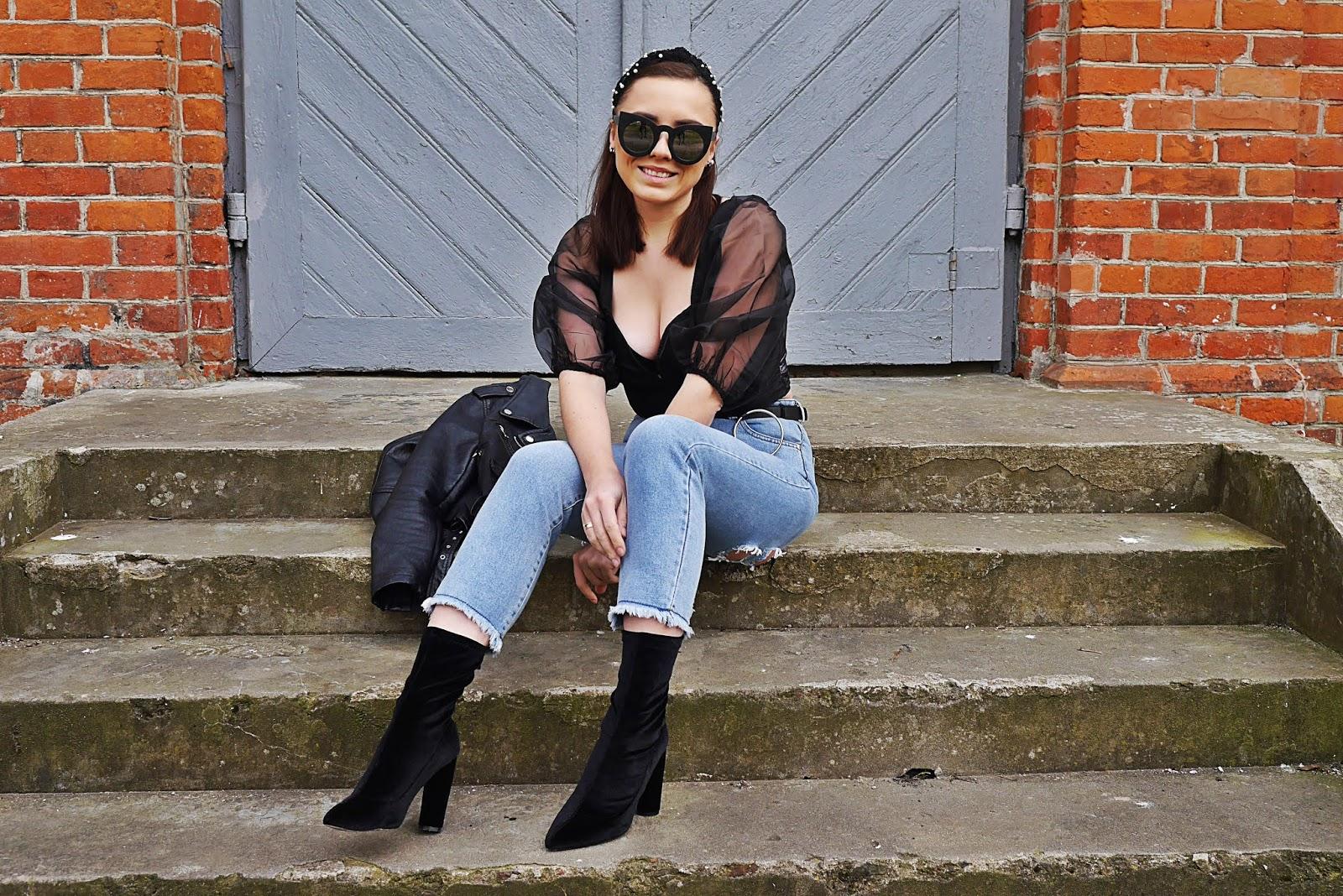 blog modowy blogerka modowa karyn puławy opaska z perełakami kocie okulary spodnie jesnowe look wiosenny stylizacja wiosenna inspiracja