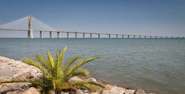 Vasco da Gama Bridge (Ponte Vasco da Gama)