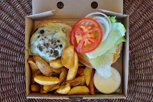 Κλείνουν οι στρατιωτικές λέσχες - Φαγητό μόνο πακέτο