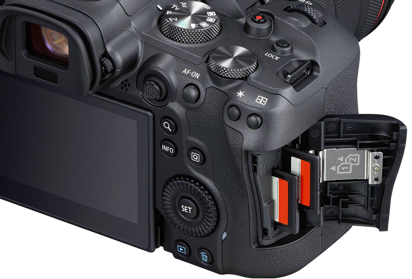 Два слота для SD-карт в Canon EOS R6