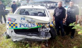 Kereta peronda polis terbabas dihimpit