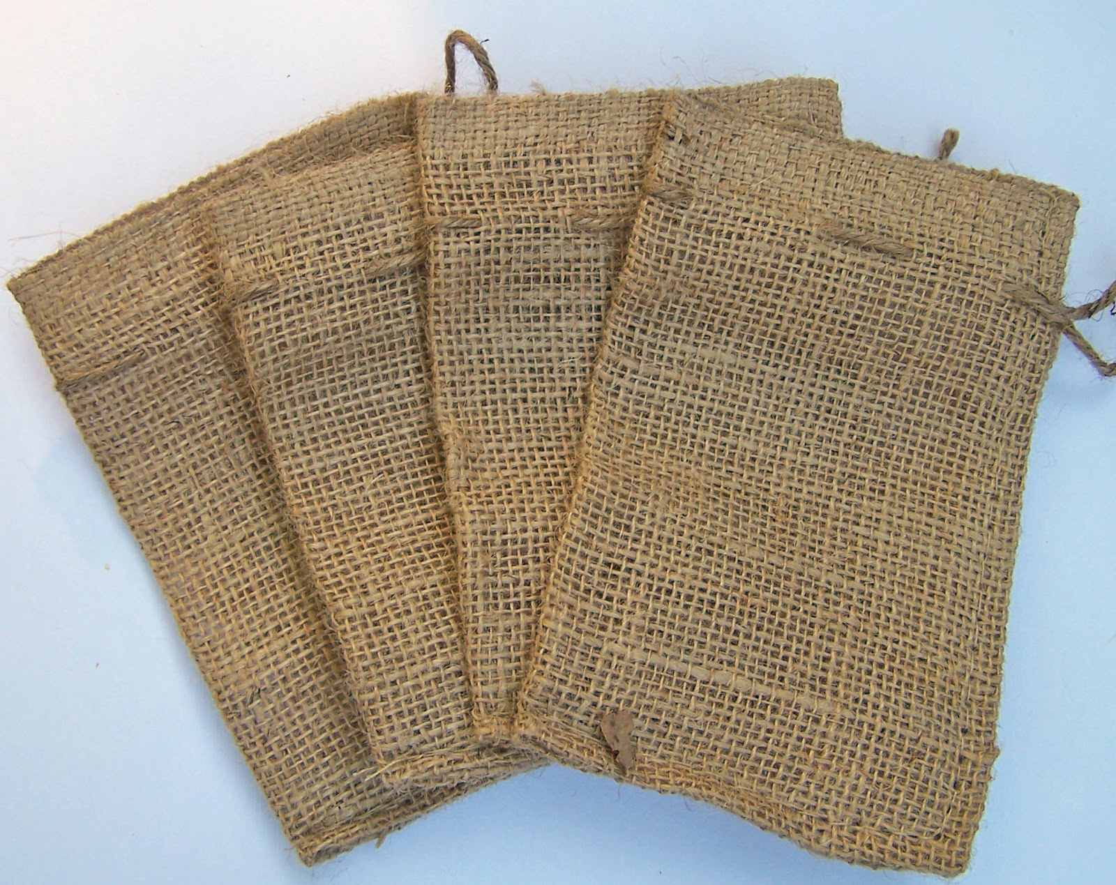 The Curtsey Boutique: DIY Shabby Chic Burlap Gift Bags for ...