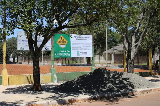 Prefeitura de Foz reforma campo de futebol da Vila Borges