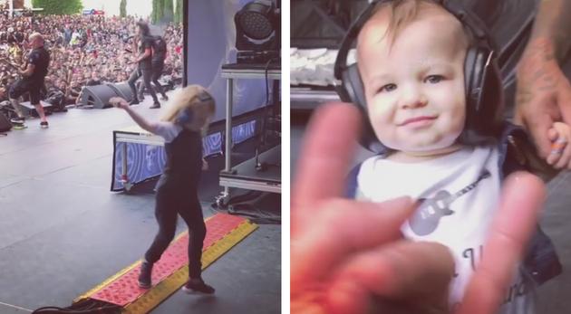 dos niños disfrutan concierto Anthrax