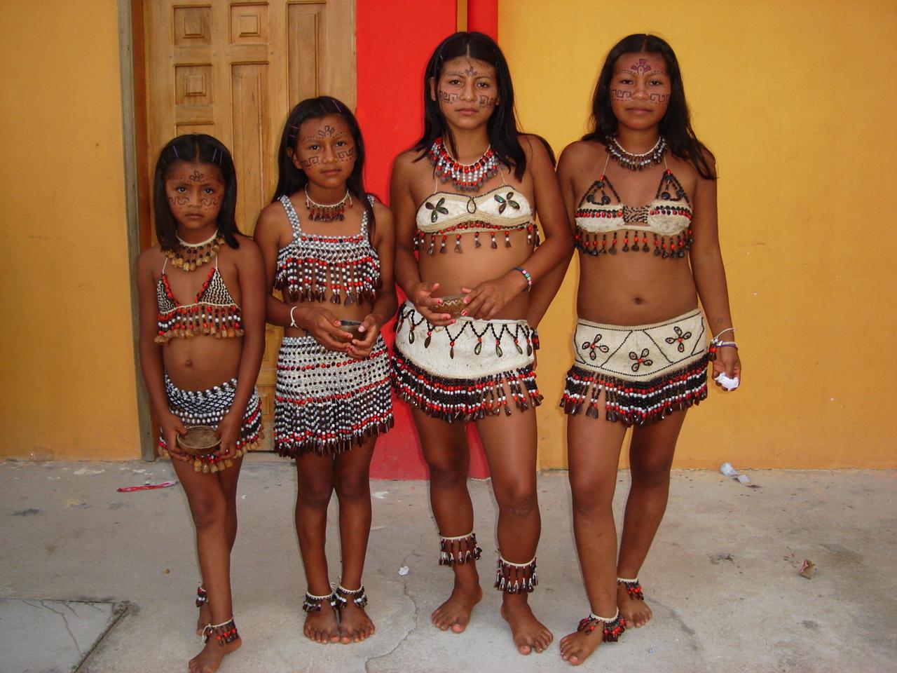 Chicas bailando en ropa interior 5