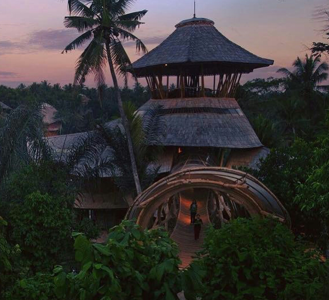 vacation spots in indonesia