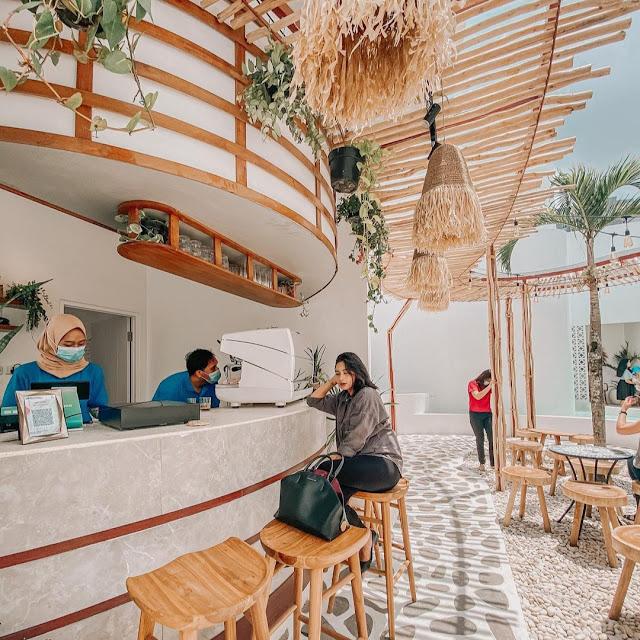 Cafe Ala Vibes Bali di Malang