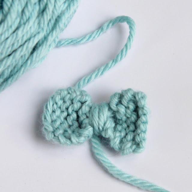 anna et les petites choses noeud pap 39 apprendre tricoter un noeud papillon patron gratuit. Black Bedroom Furniture Sets. Home Design Ideas