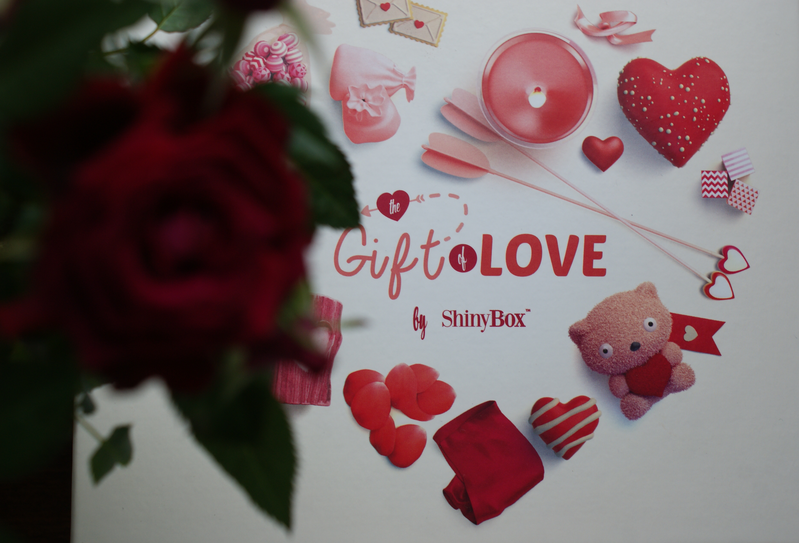 ShinyBox luty 2015 Gift of LOVE