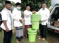 Cegah Covid19, Ketua DPRD Kabupaten Bima Serahkan Bantuan Paket Cuci Tangan dan Masker
