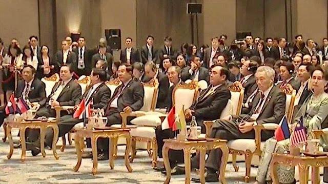 Jokowi Pamit Sholat, Mahfud MD Menduduki Kursi Presiden RI saat Meeting KTT ASEAN