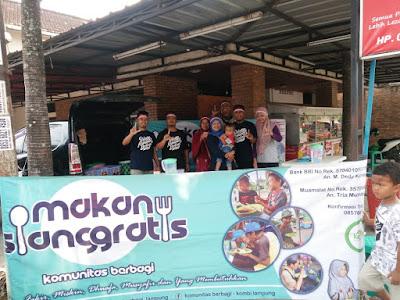 Isi Hari Kemerdekaan, Kombi Ajak Masyarakat Prasejahtera Makan Siang Gratis