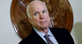 وفاة السيناتور الأمريكى جون ماكين بعد صراع مع المرض