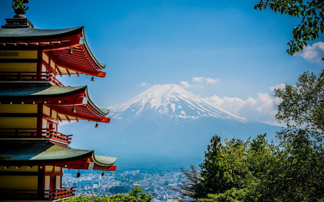 Japan offers a prize of 250 USD to online tourists