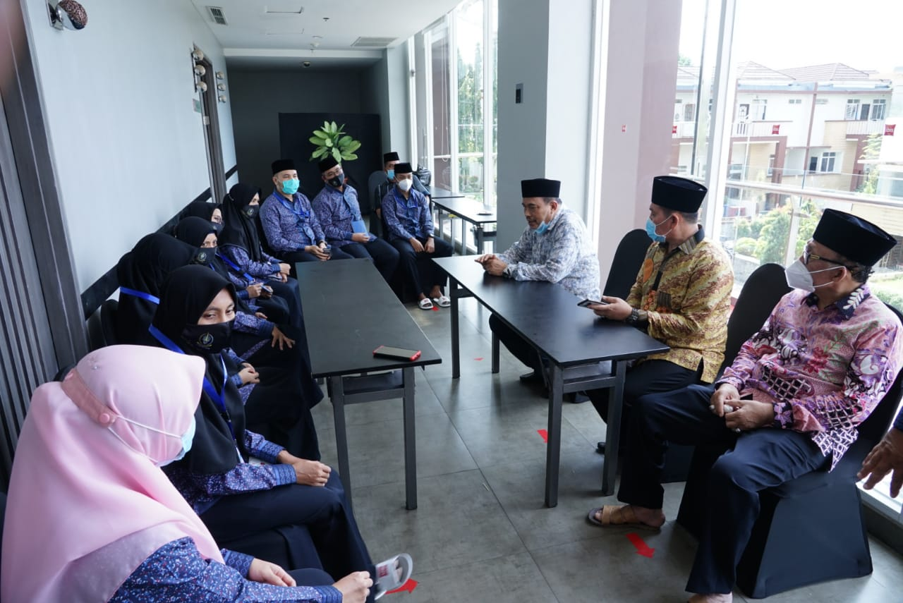 Bersama Gubsu, Walikota Tebing Tinggi Motivasi Kafilah MTQ Nasional Asal Sumut di Padang