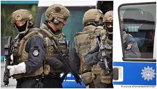 اللواء رضايعقوب القبض على ثمانية أشخاص فى حملة لمكافحة الإرهاب فى المانيا