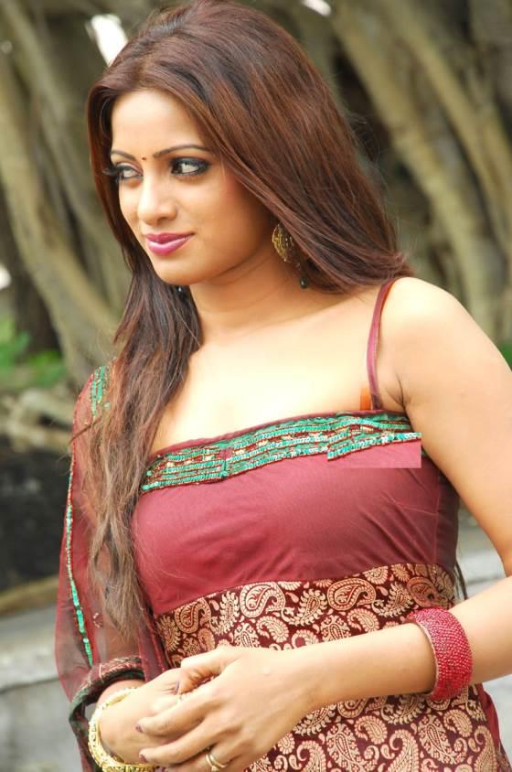 Telugu Tv Anchor Actress Udaya Bhanu Hot Latest Photos Collection  Indian Filmy Actress-4605