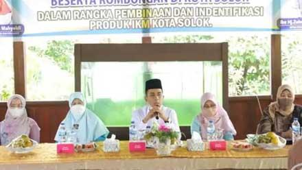 Ramadhani Kirana Putra saat menerima kunjungan Ketua Dekranasda Sumbar