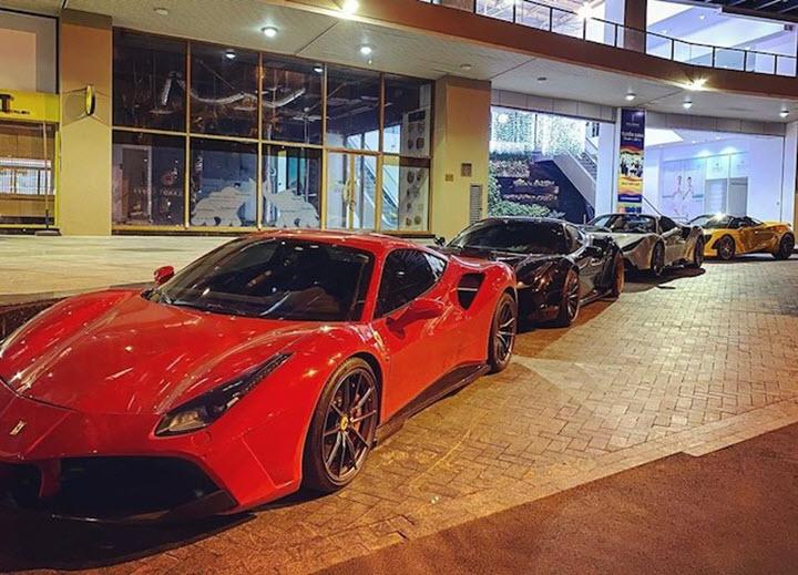 Ngắm dàn siêu xe của nhà giàu Việt tụ tập sau thông báo giãn cách ly xã hội