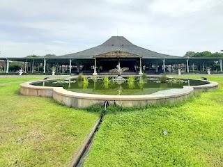 Tempat Wisata Pura Mangkunegaran
